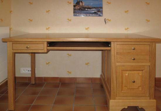 Bureau d un retrait meubles hugon meubles normands - Meuble ordinateur ferme ...